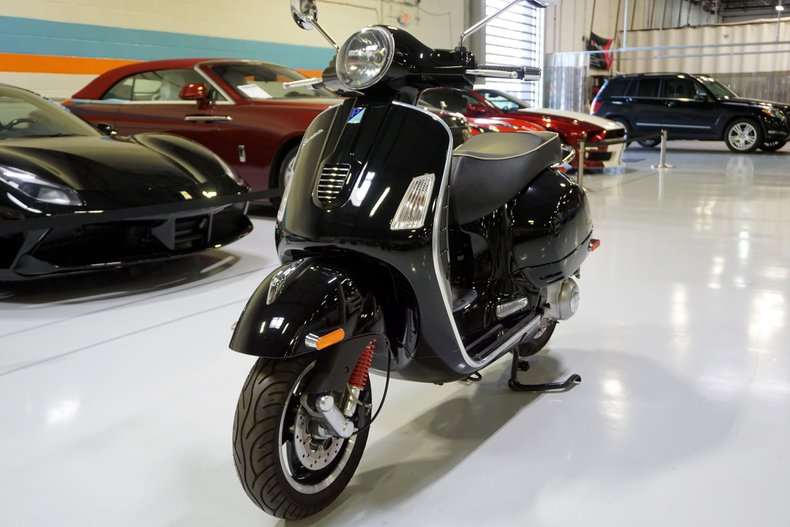 2008 Vespa GTS Super 300ie