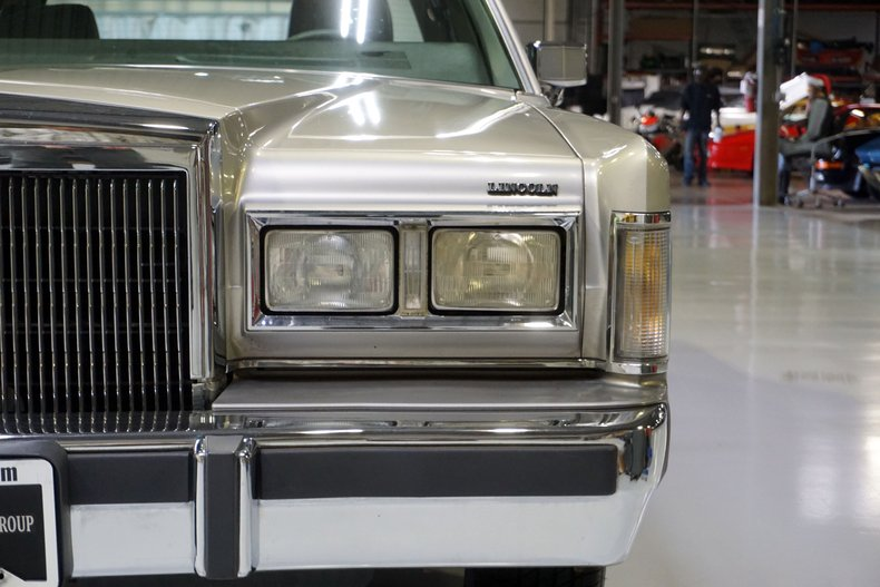 1988 Lincoln Town Car Cartier Edition