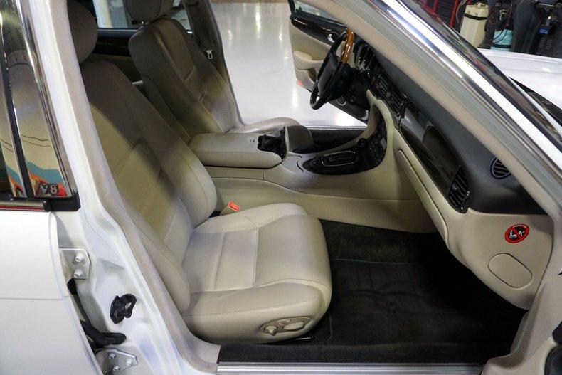 1998 Jaguar XJR