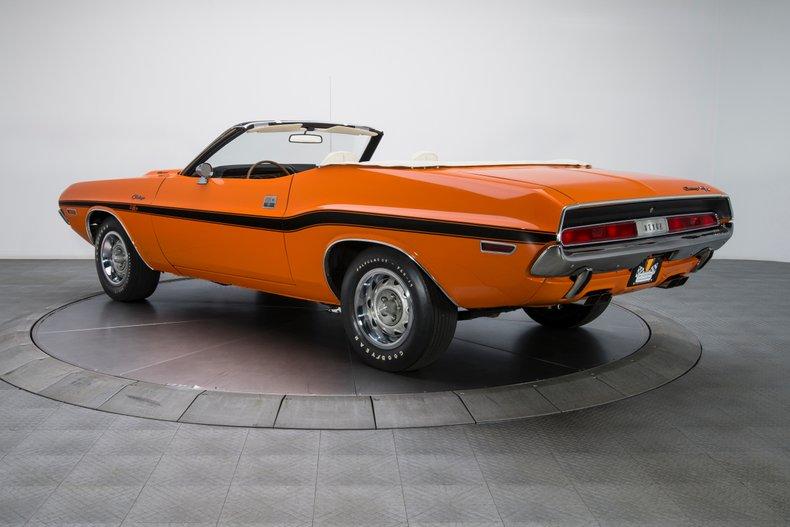 1970 Dodge Challenger 12