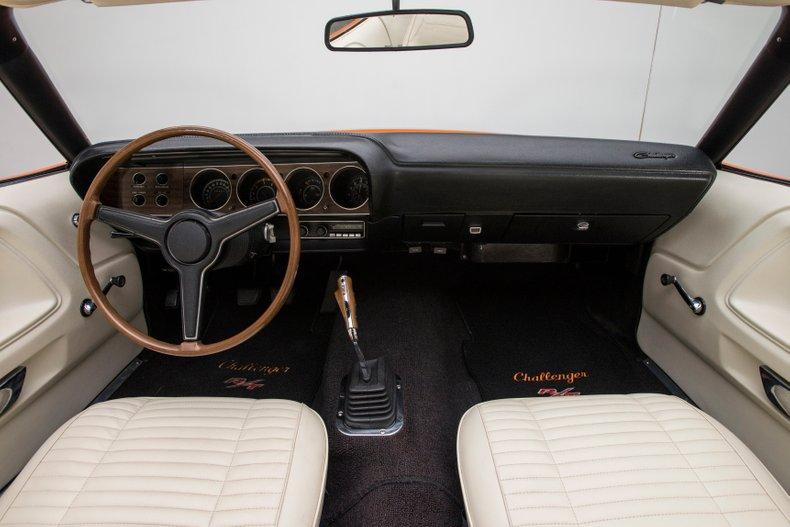 1970 Dodge Challenger 58