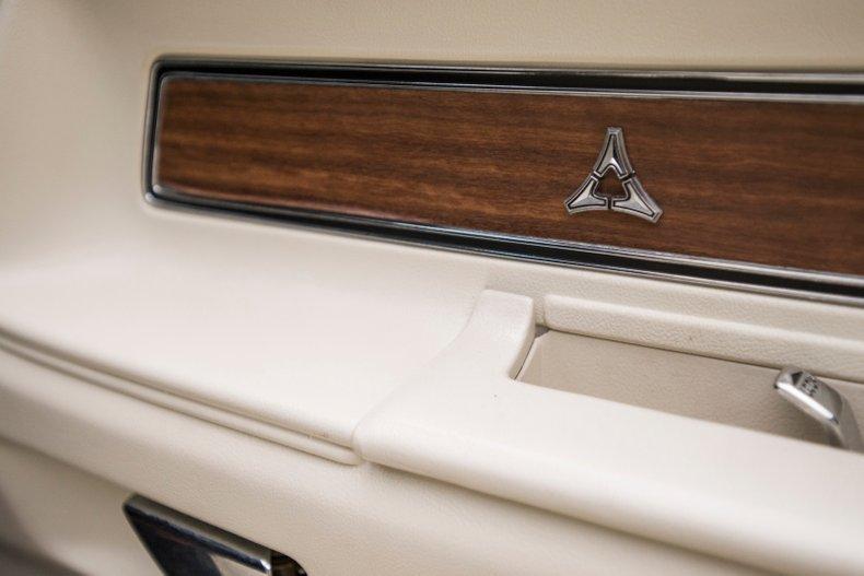 1970 Dodge Challenger 64