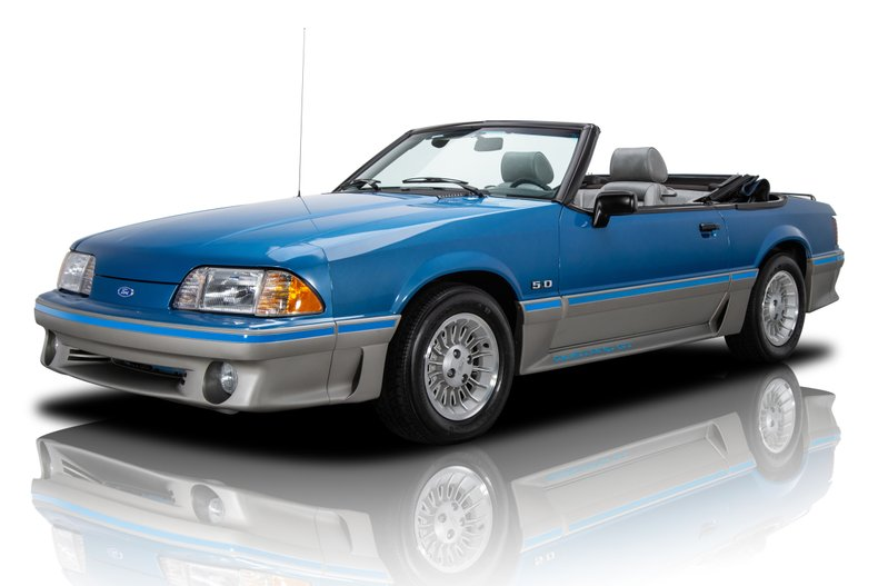 1989 Ford Mustang 1