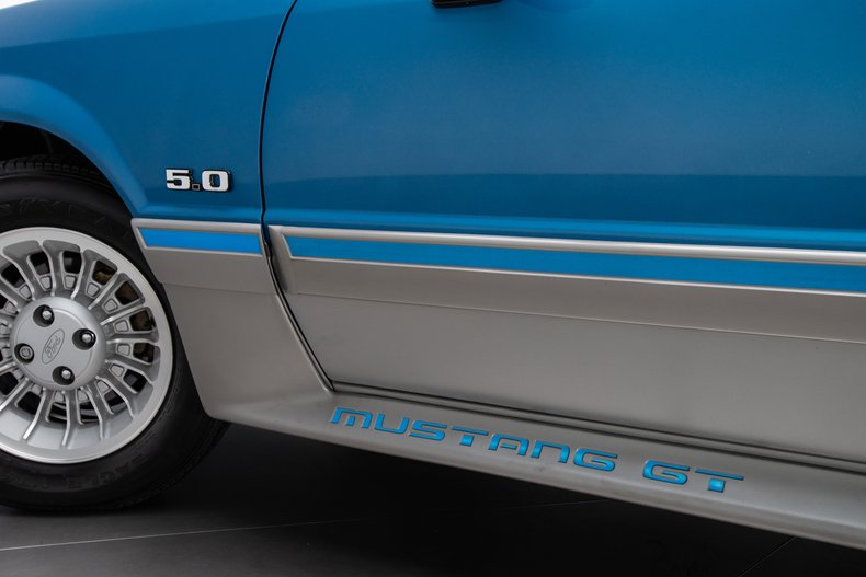 1989 Ford Mustang 8