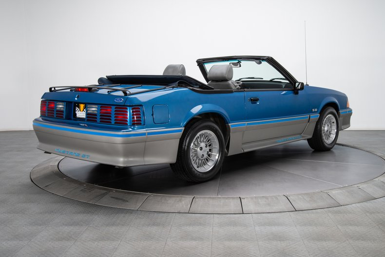 1989 Ford Mustang 10