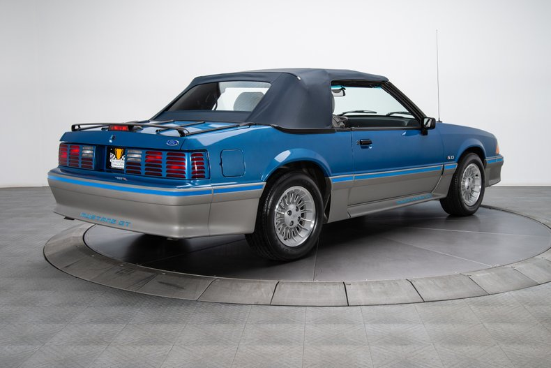 1989 Ford Mustang 11
