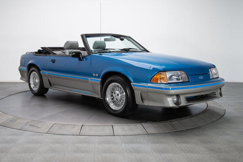 1989 Ford Mustang 12