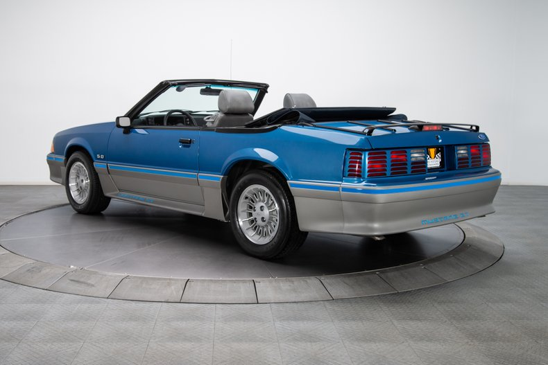 1989 Ford Mustang 14