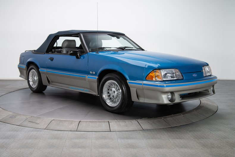 1989 Ford Mustang 13