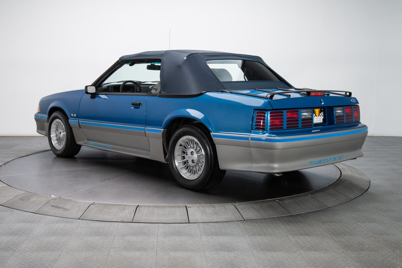1989 Ford Mustang 15