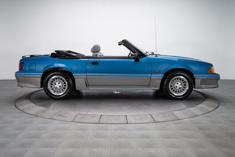 1989 Ford Mustang 16