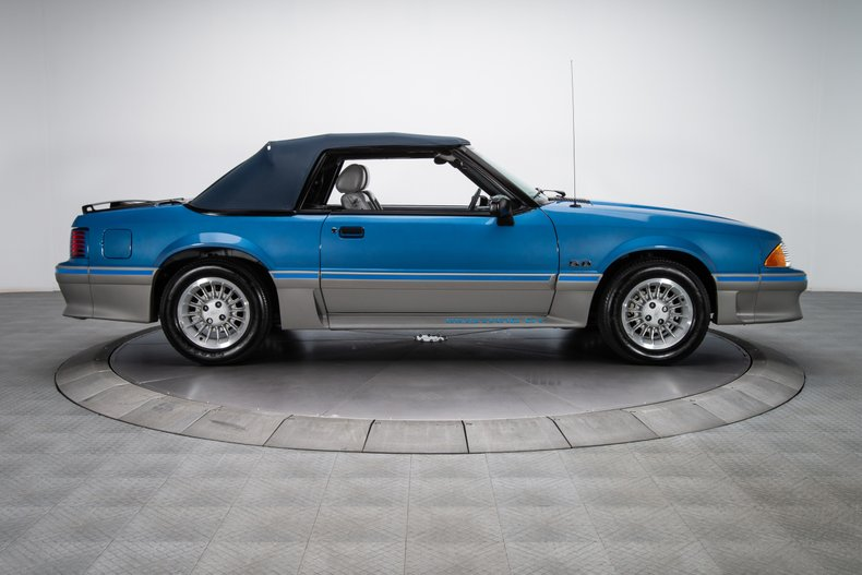 1989 Ford Mustang 17