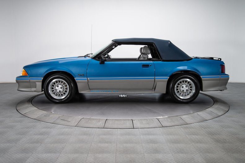 1989 Ford Mustang 19