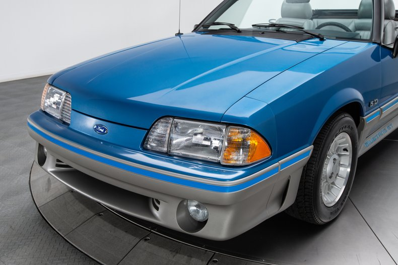 1989 Ford Mustang 20