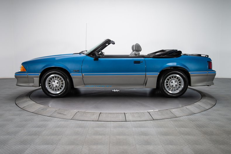 1989 Ford Mustang 18