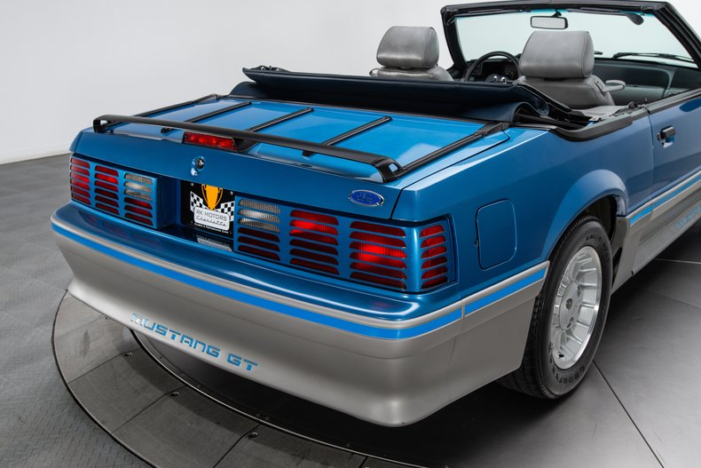 1989 Ford Mustang 28