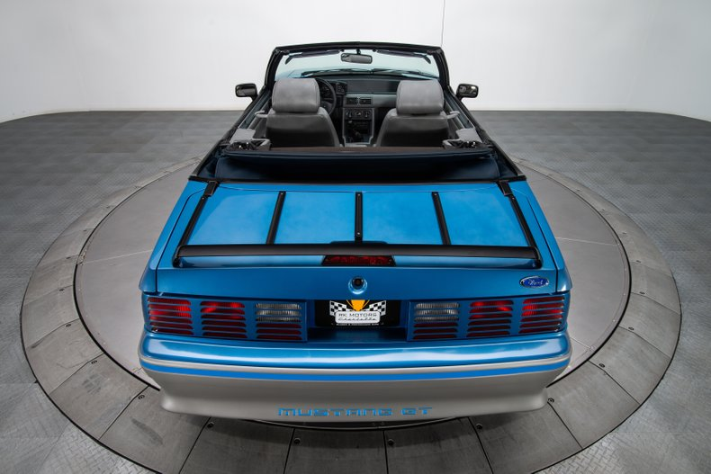 1989 Ford Mustang 31