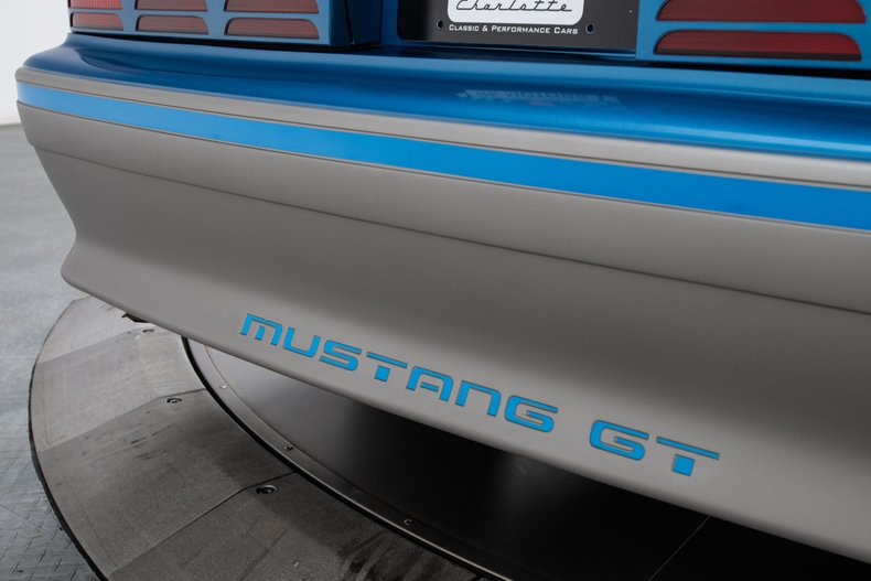 1989 Ford Mustang 34