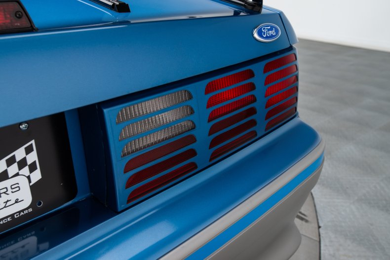 1989 Ford Mustang 35