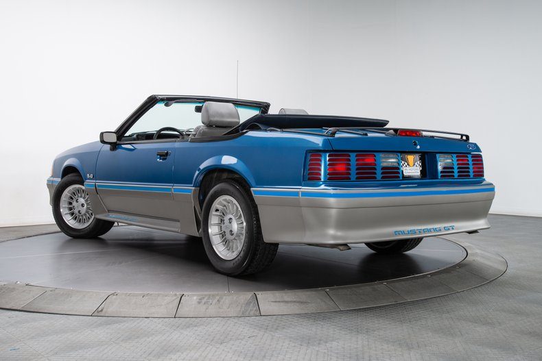 1989 Ford Mustang 38