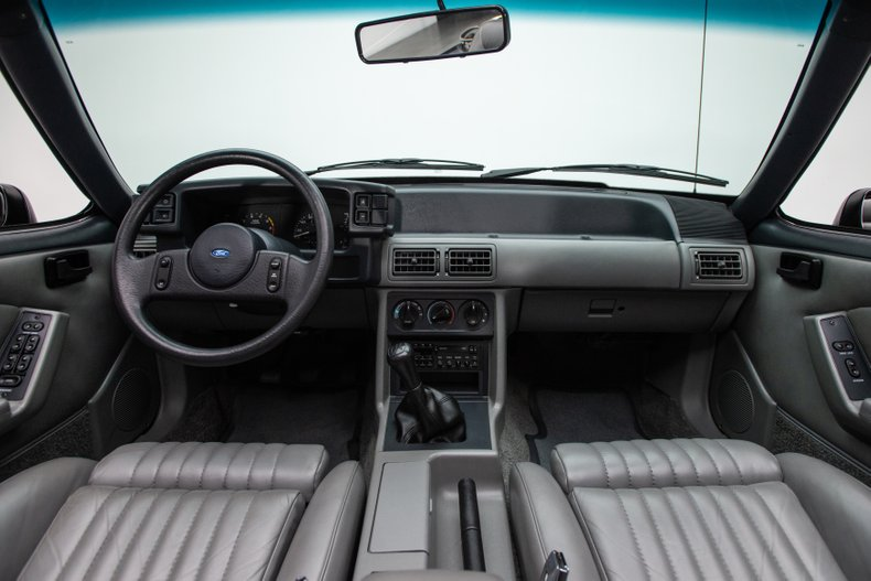 1989 Ford Mustang 58