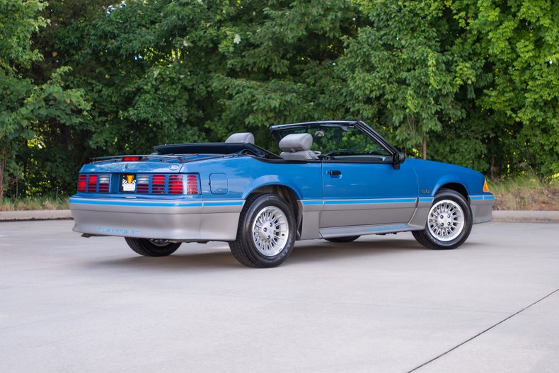 1989 Ford Mustang 3