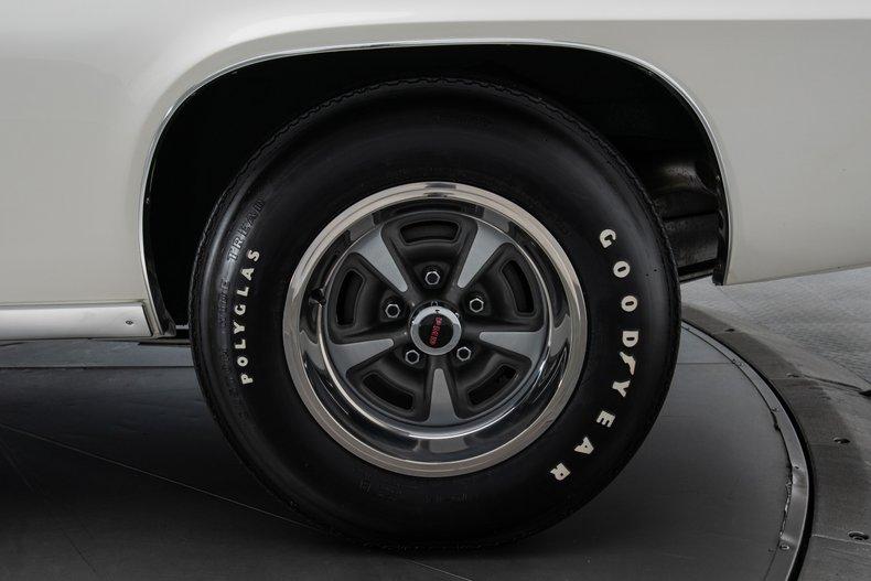 1969 Pontiac Firebird 33