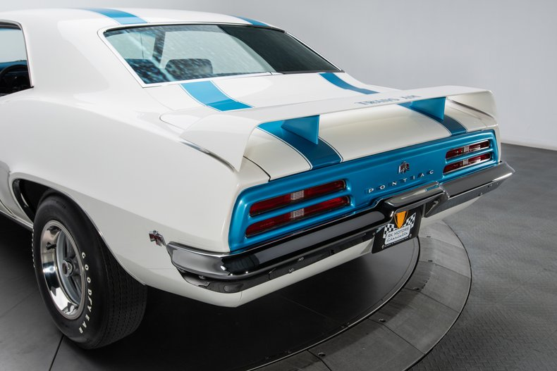 1969 Pontiac Firebird 25