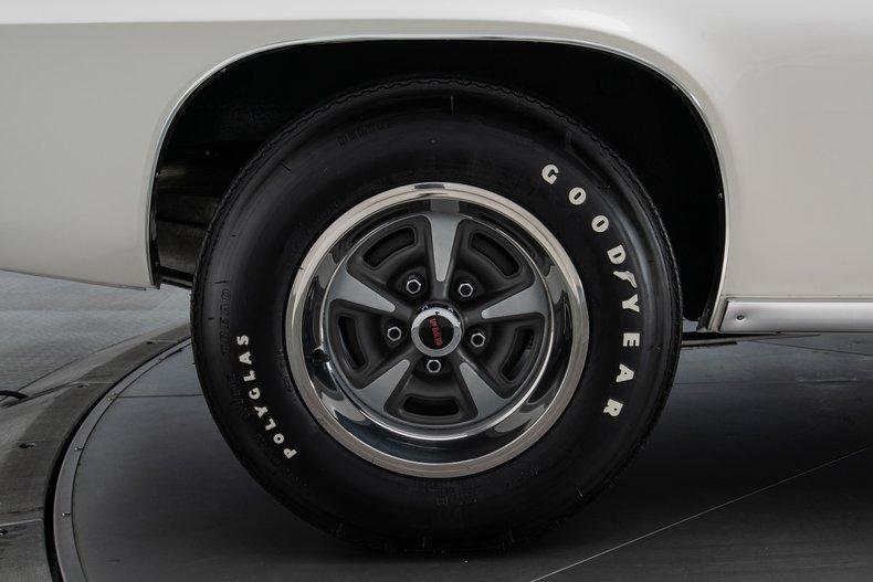 1969 Pontiac Firebird 34