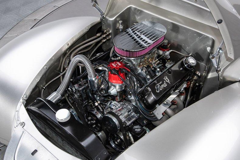 1940 Ford Sedan 6