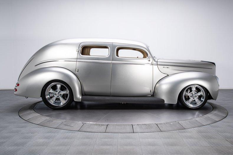 1940 Ford Sedan 11