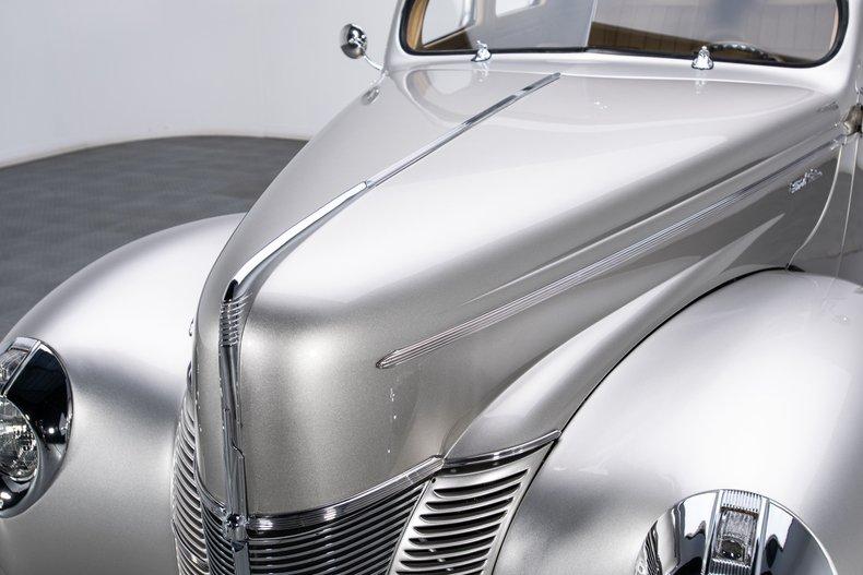1940 Ford Sedan 20