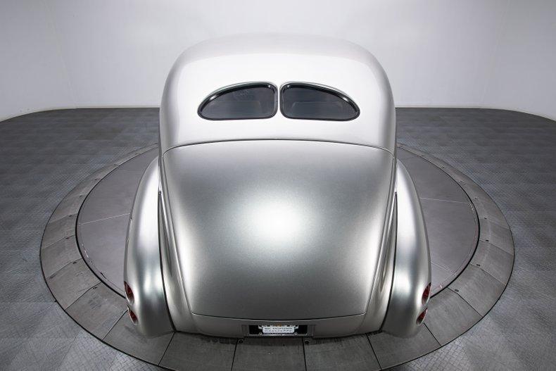 1940 Ford Sedan 26