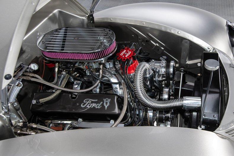 1940 Ford Sedan 38