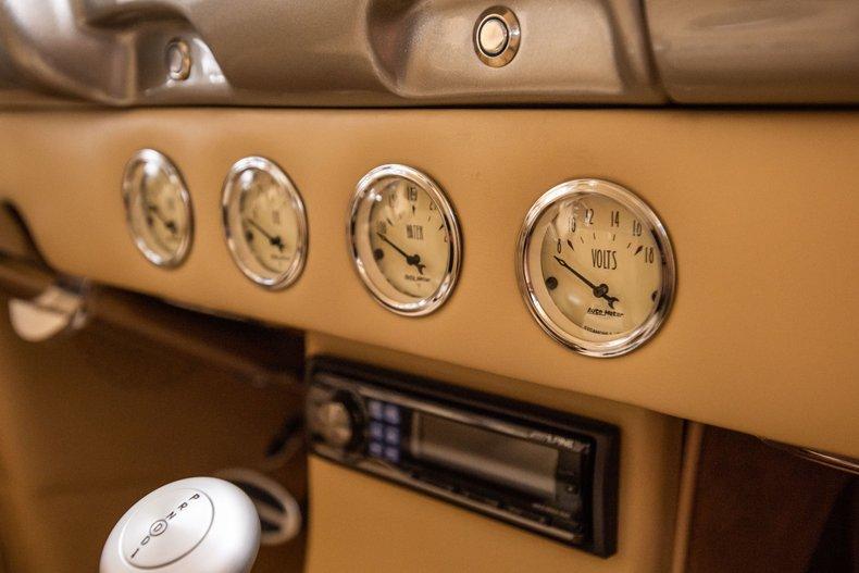 1940 Ford Sedan 55