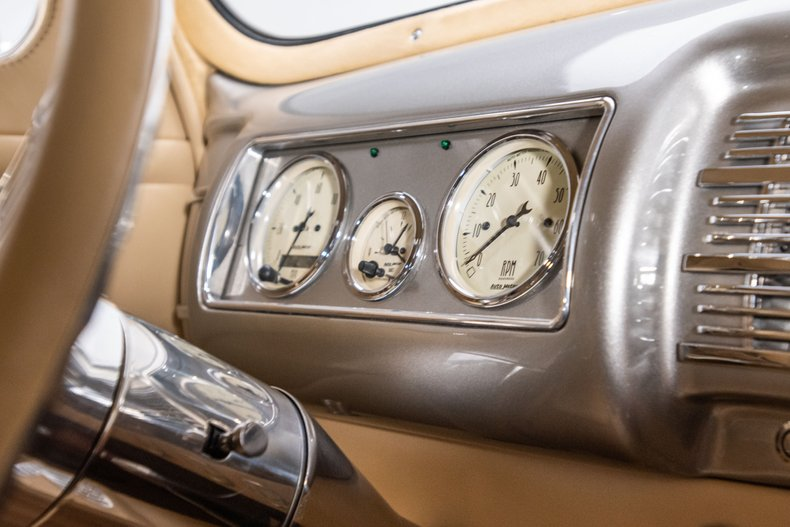 1940 Ford Sedan 61