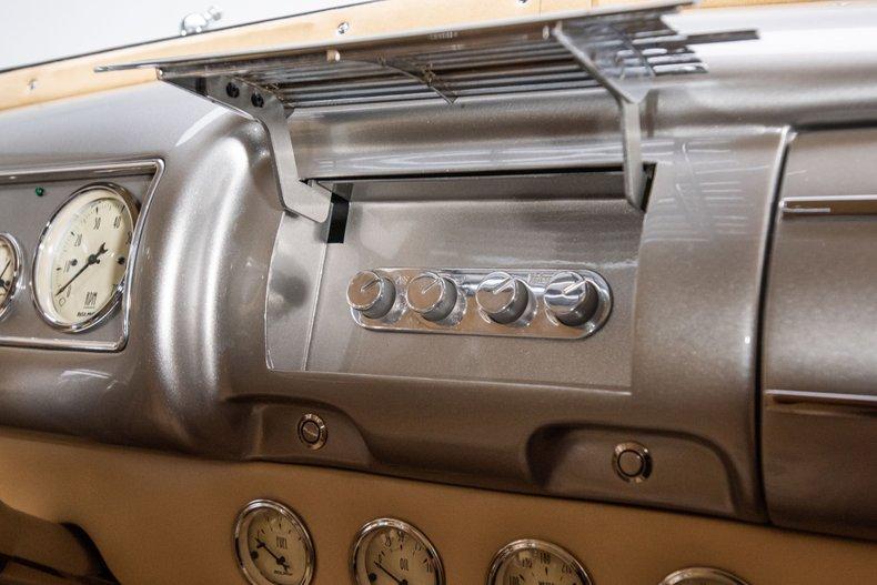 1940 Ford Sedan 63