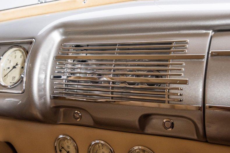 1940 Ford Sedan 62