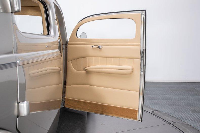 1940 Ford Sedan 71
