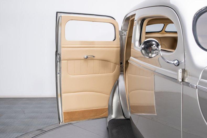 1940 Ford Sedan 72