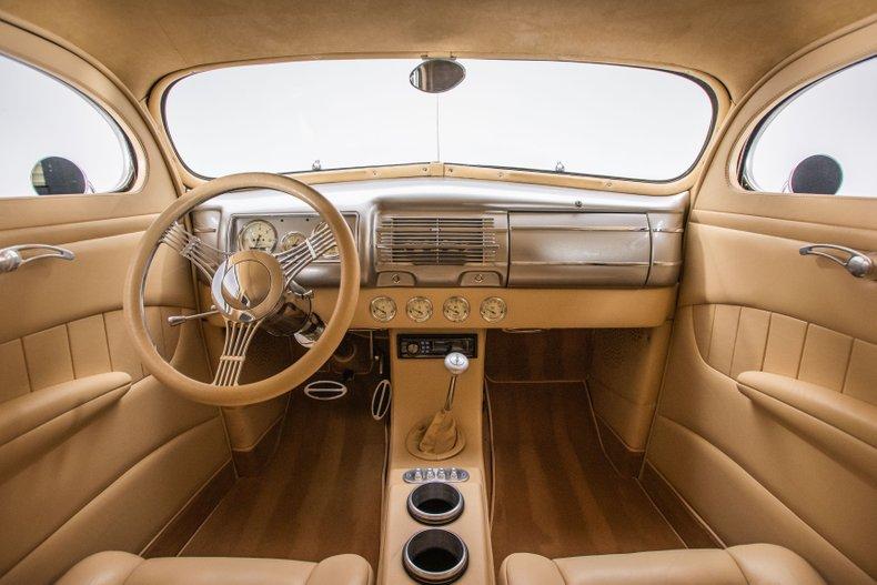 1940 Ford Sedan 52