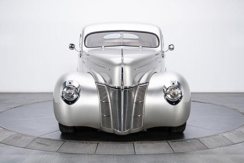1940 Ford Sedan 14