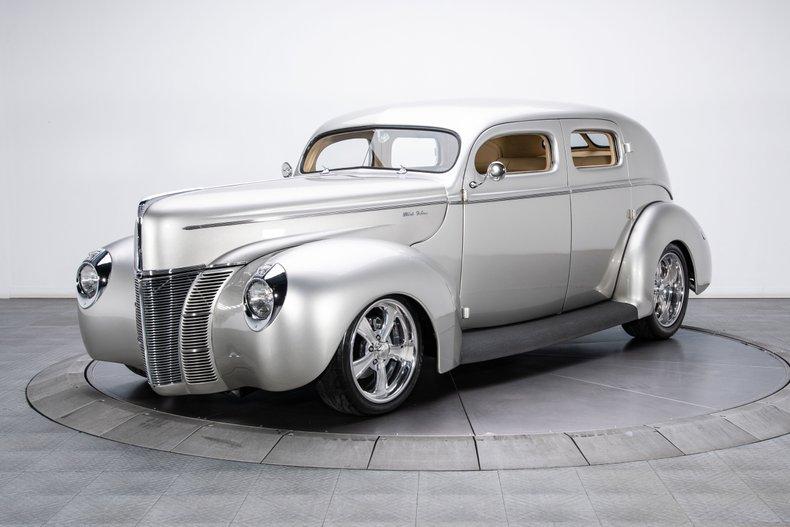 1940 Ford Sedan 110