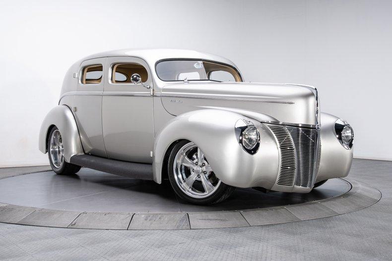 1940 Ford Sedan 23