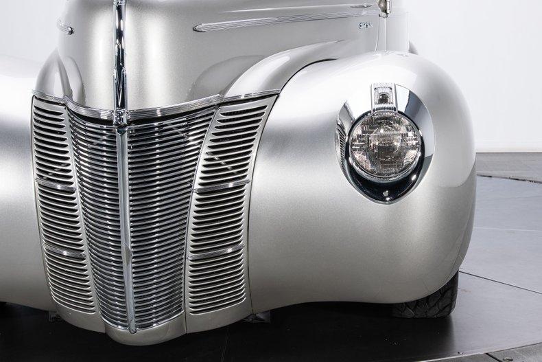 1940 Ford Sedan 18