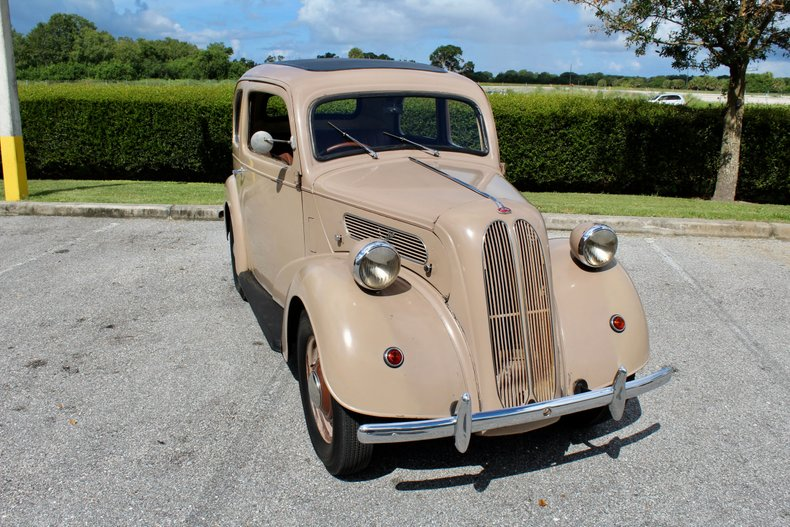 1951 ford anglia saloon
