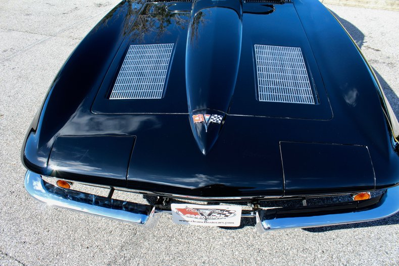 1963 chevrolet corvette spilt window