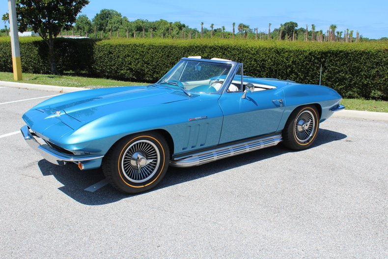 1965 chevrolet corvette stingray