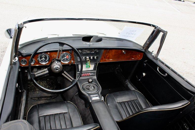 1967 austin healey bj8