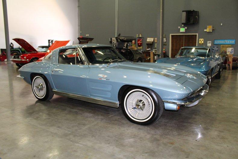 1963 chevrolet corvette spilt window